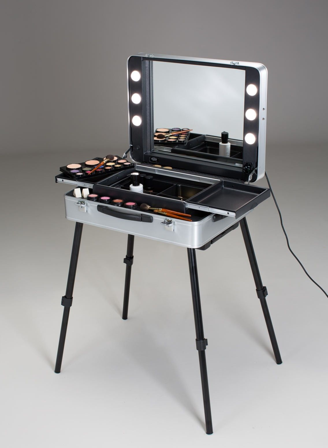 NEW EVOLUTION portable make up studio. Portable Makeup & Hairstyling Stations. Cantoni for beauty professionals and passionates who love to do makeup and ...