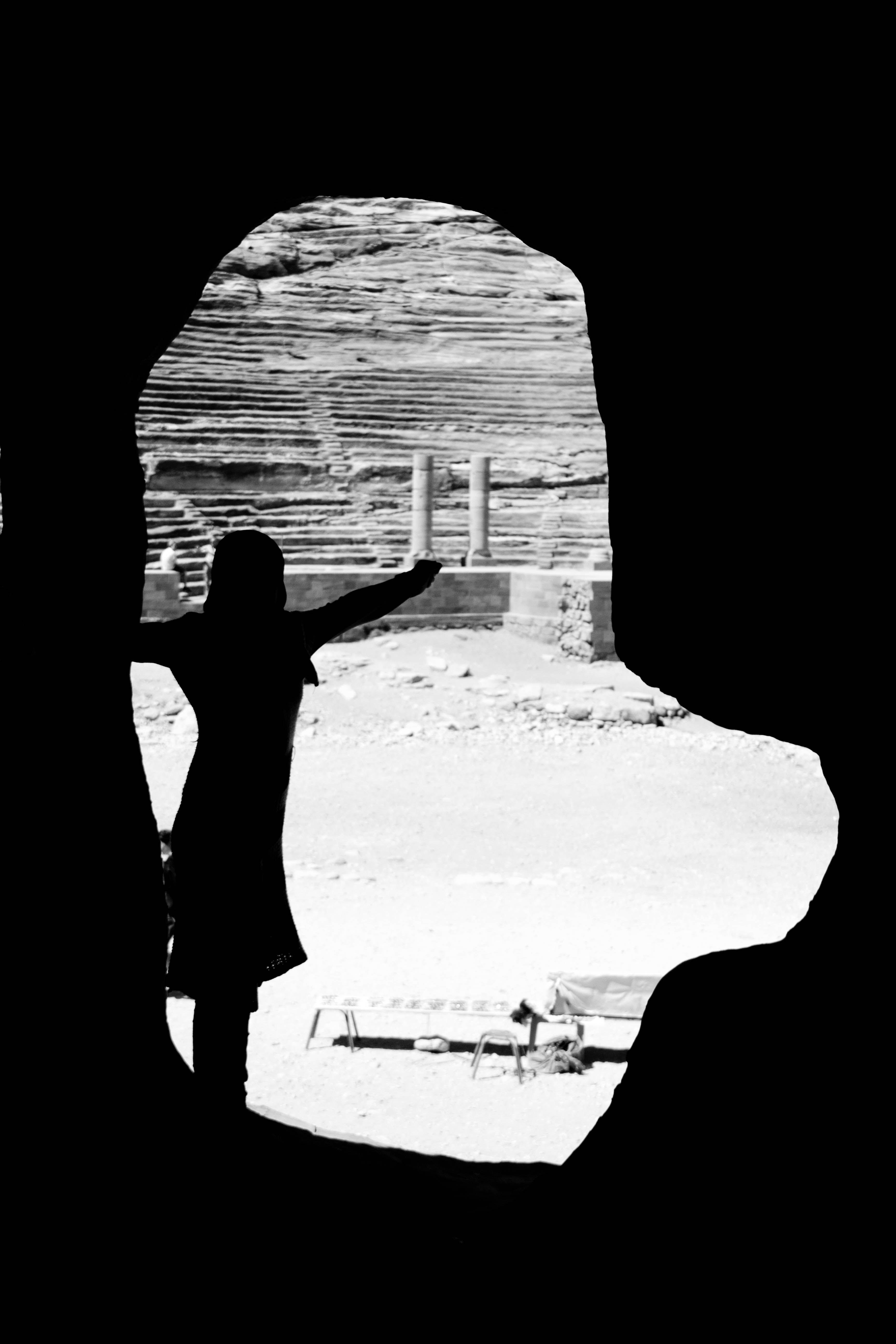 sale retailer b3e54 ca916 Girl posing in Petra (Jordan)