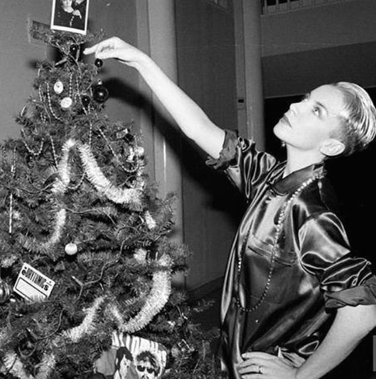 XMASS-Annie LeNNox | The 80\'s, as Experienced by ME | Pinterest ...