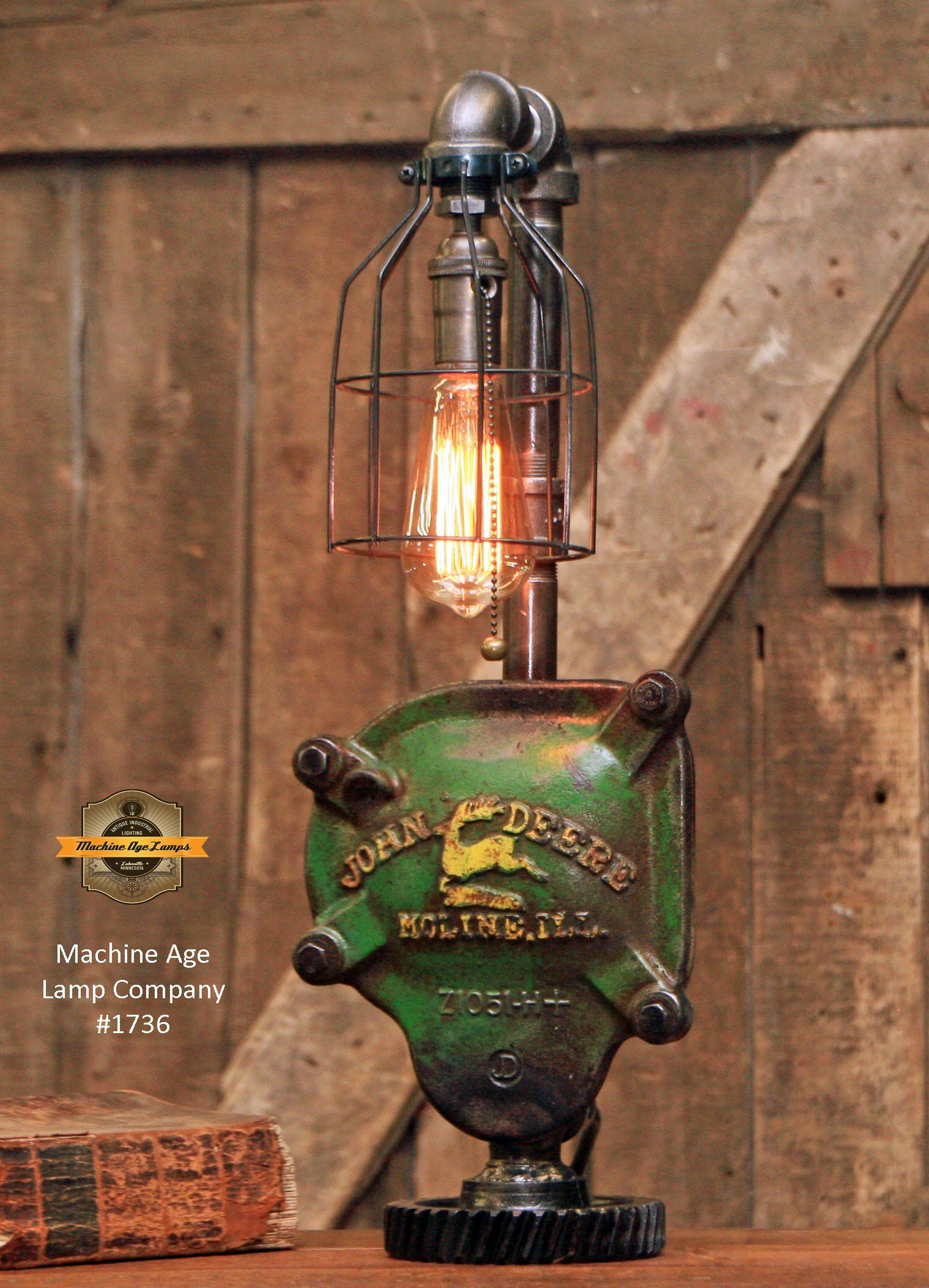 Steampunk Industrial John Deere Farm Tractor Lamp - John deere idees de decoration de chambre