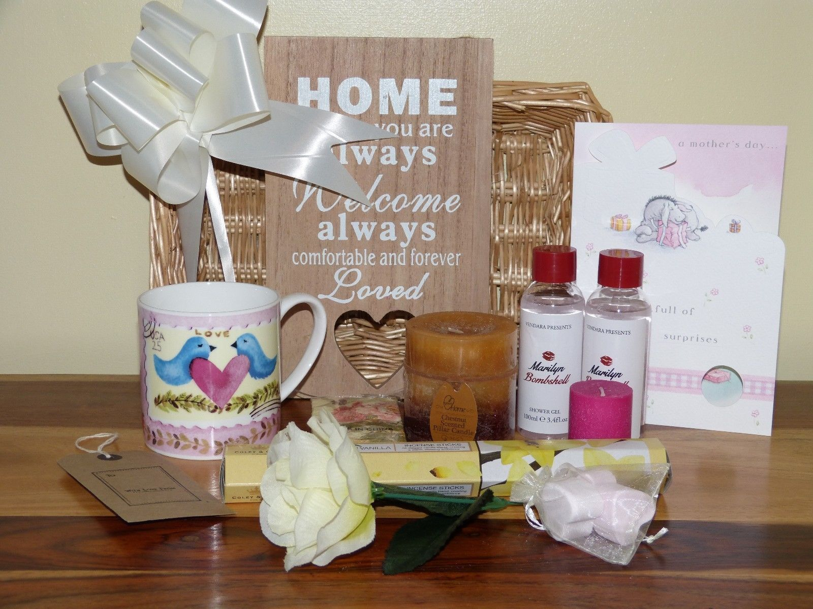 Lovely Luxury Mothers Day Gift Hamper Basket FREE Mothers Day Card