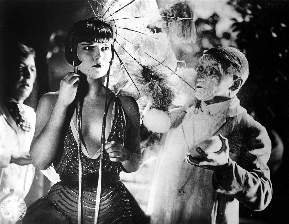 Louise Brooks photos, including production stills, premiere photos and other event photos, publicity photos, behind-the-scenes, and more.