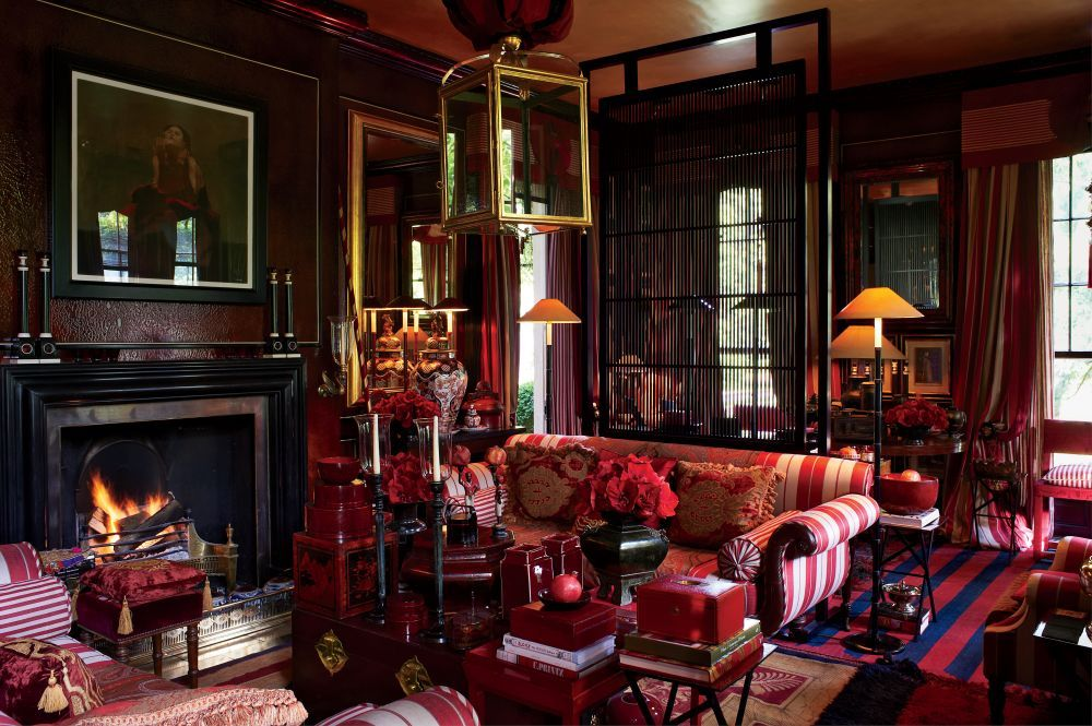 Traditional Living Room by Anouska Hempel Design in Wiltshire, England