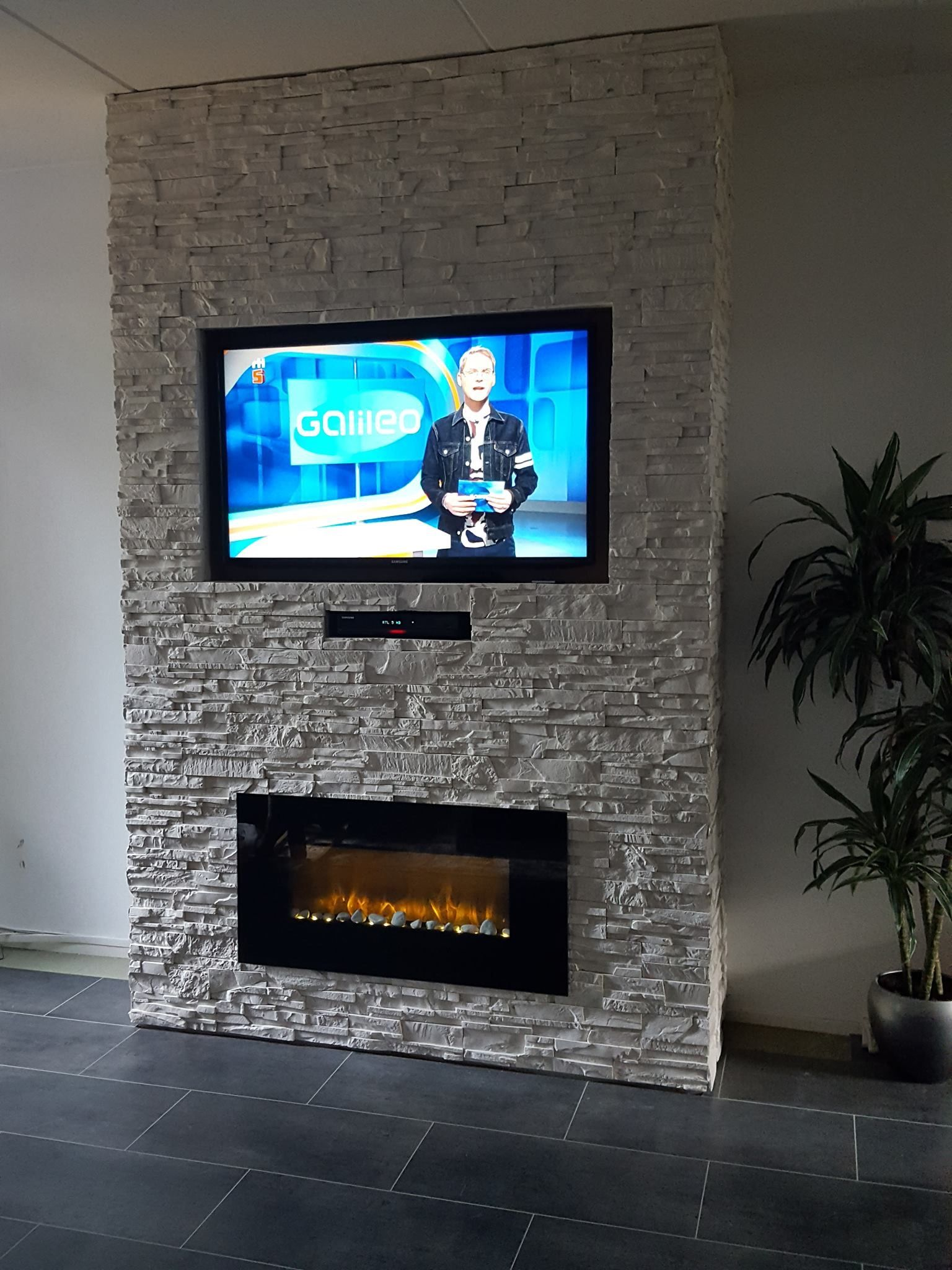 How To Make An Interesting Art Piece Using Tree Branches Ehow Fireplace Accent Walls Fireplace Design Fireplace