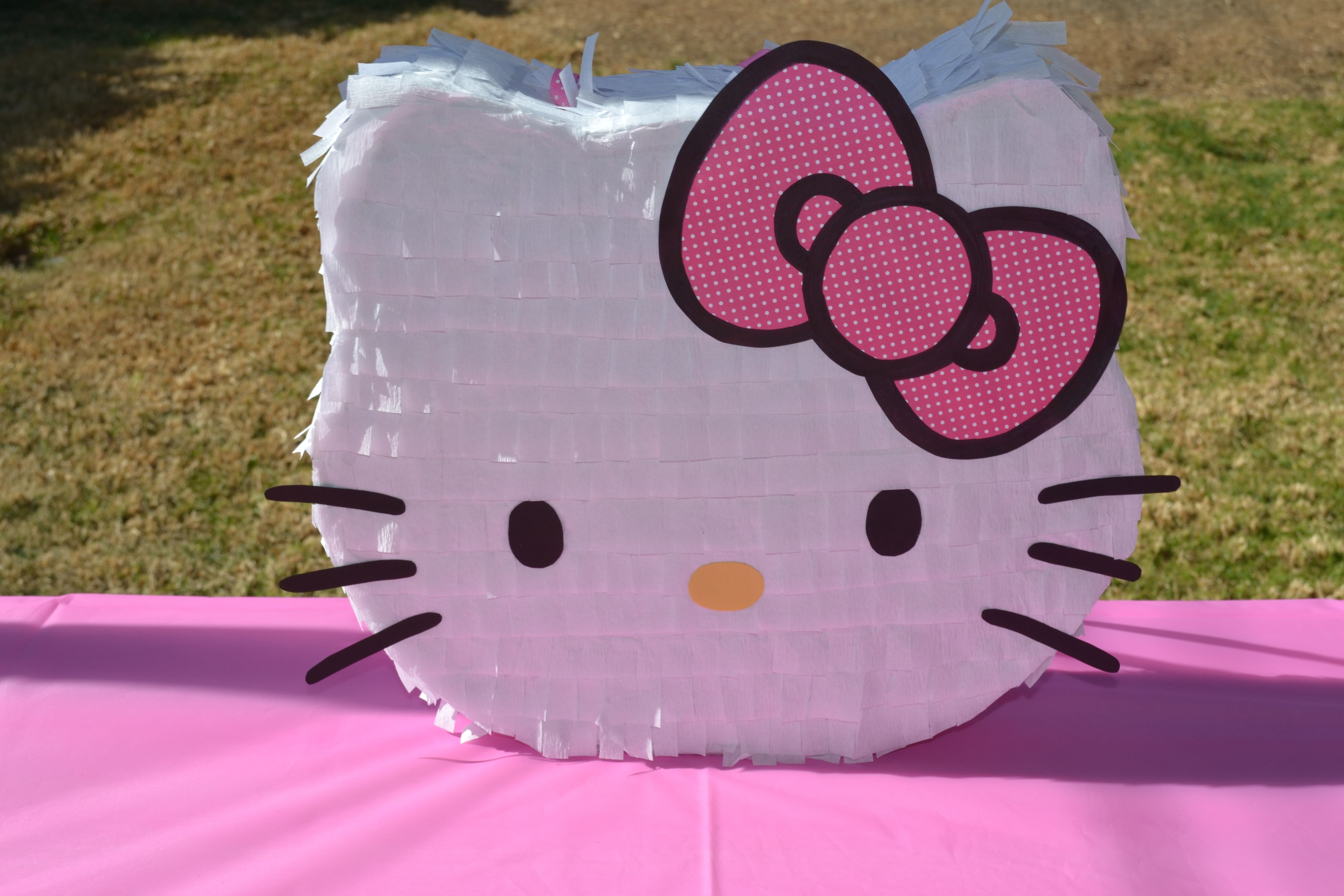 Hello Kitty Pinata