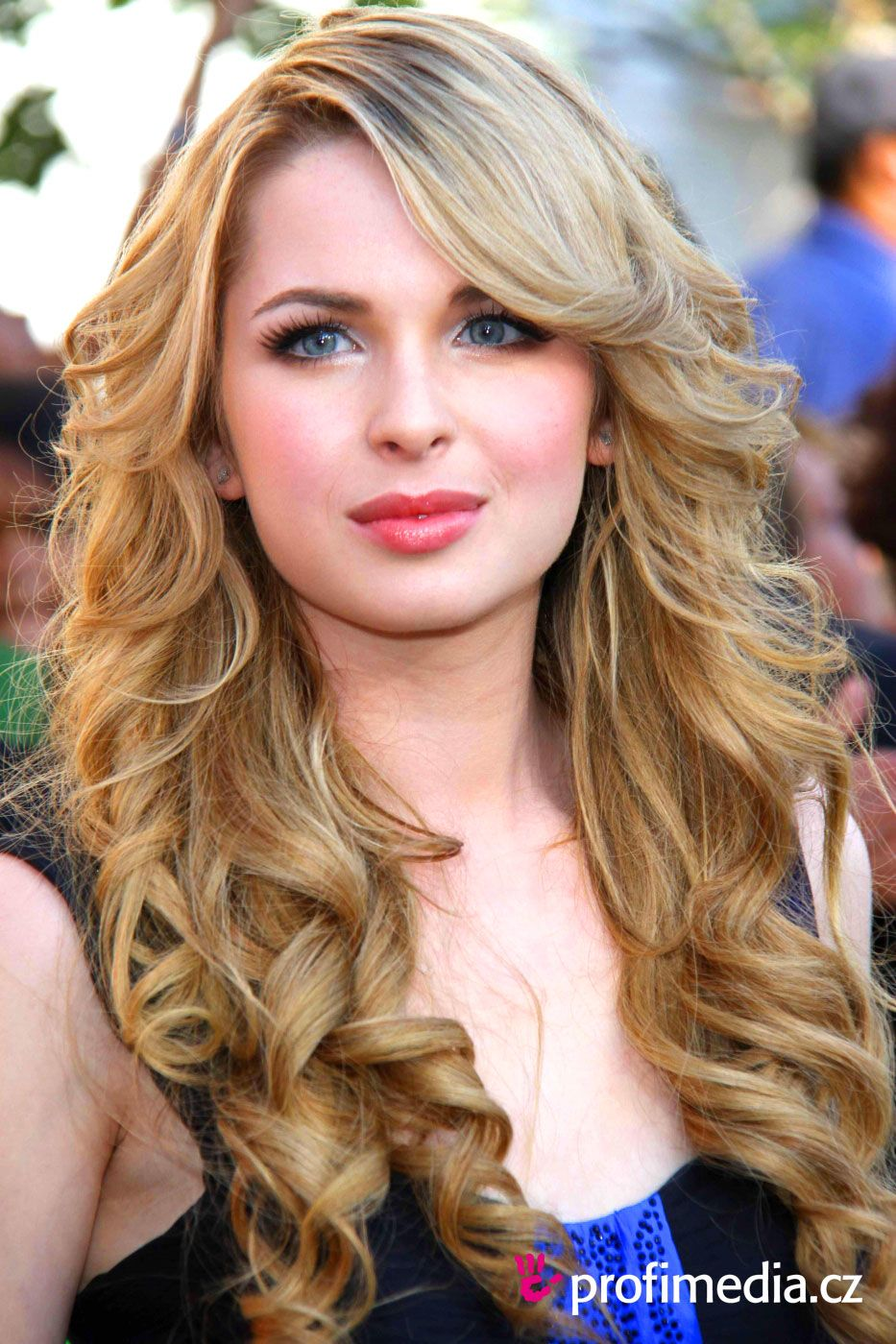 kirsten prout wallpapers