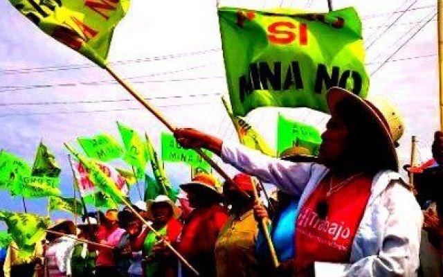 In Perù i contadini lottano nella valle del Tambo per difendere la terra Il progetto Tia Maria prevede la costruzione di una miniera di rame nella valle dove scorre il Tambo, nella regione di Arequipa – Perù meridionale. Da anni la  Southern Copper, controllata al 100% d #perù #sostenibilità #contadini