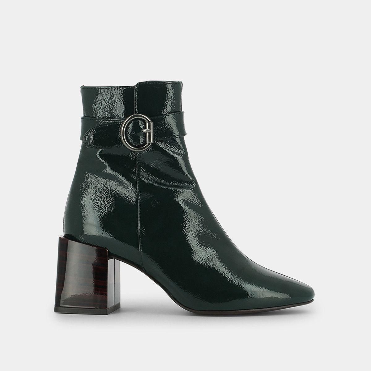 Boots pointues à talon et à boucle en vernis vert Jonak