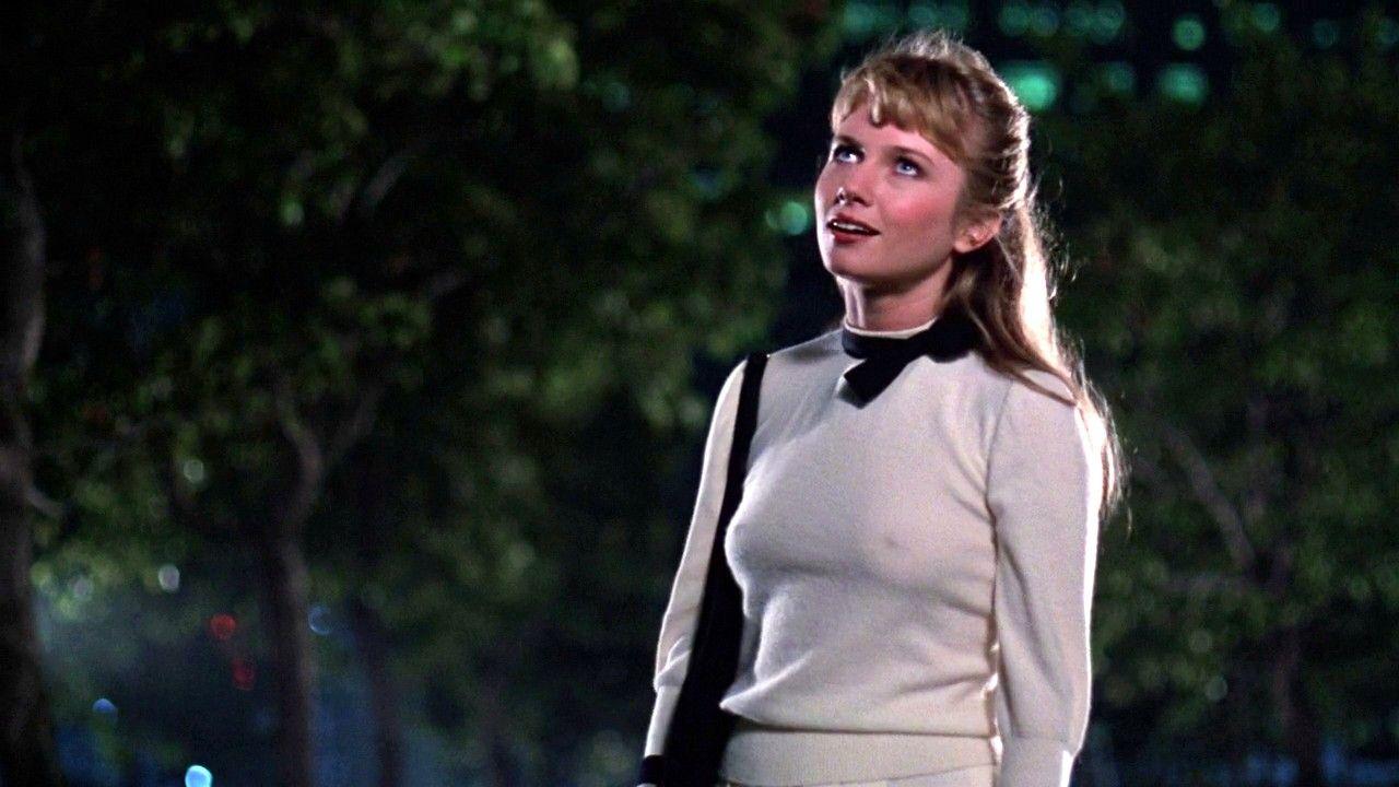 Rebecca De Mornay in Risky Business (1983) | Rebecca de