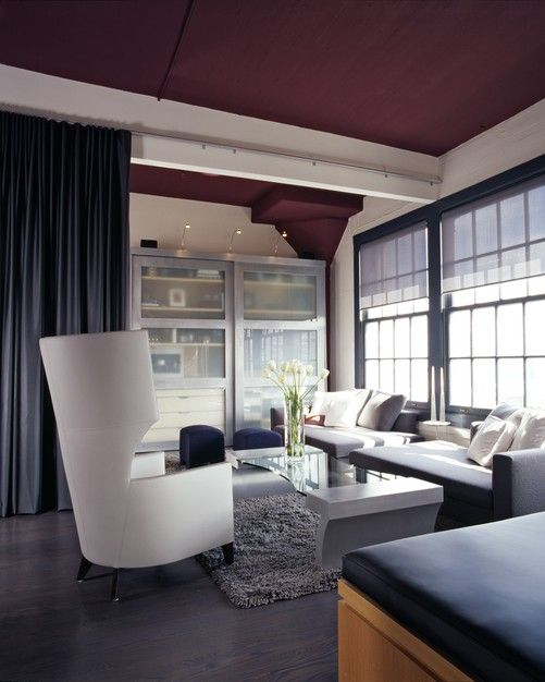 Gentil A Deep Wine Color On The Ceiling Makes This Room Feel Modern.