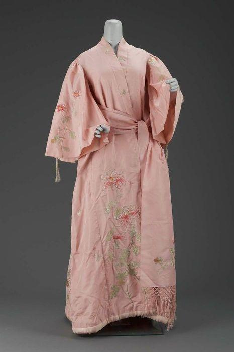 Kimono Style Dressing Gown, circa 1900 | Vintage Fashion: Boudoir/At ...