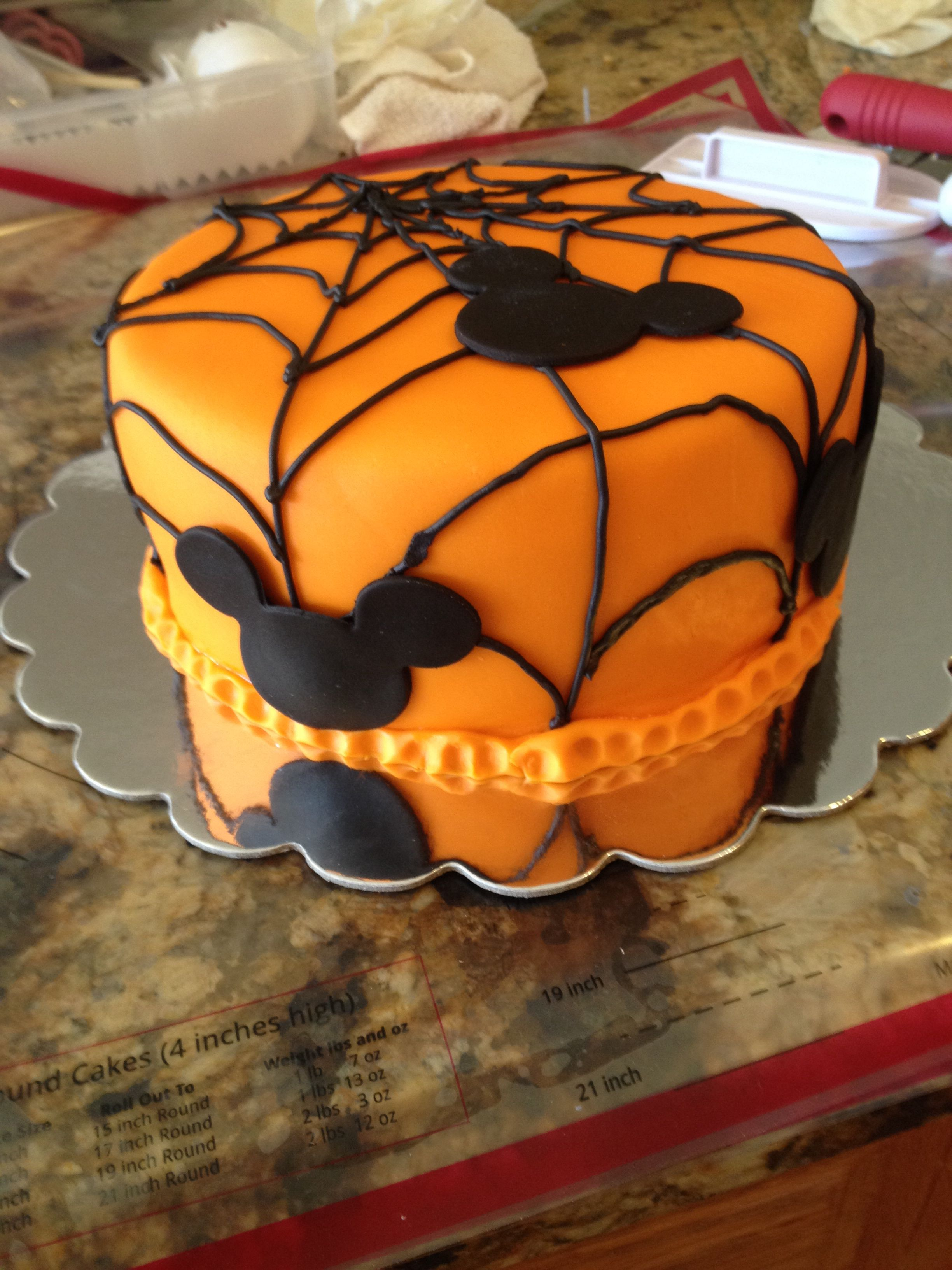 Mickey Halloween Cake Fondant Pinterest Mickey Halloween