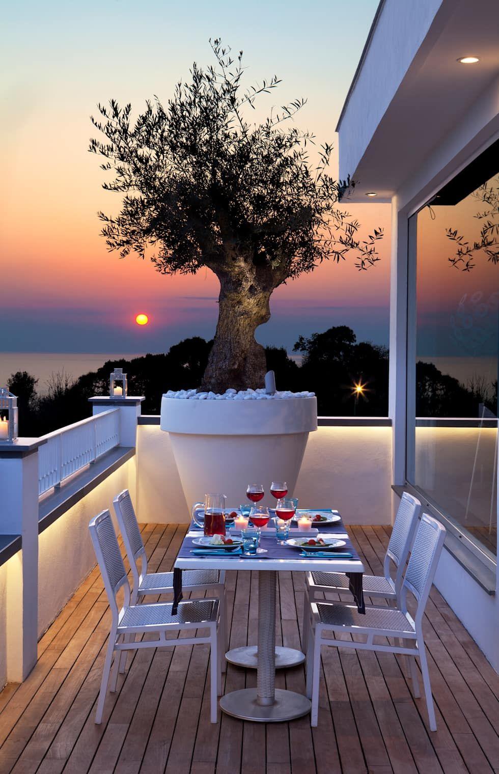 Terrazzo balcone veranda terrazzo in stile di pdv for Mobili terrazza