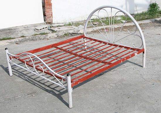 Paint A Metal Bed Frame Metal Beds Bed Frame Steel Bed