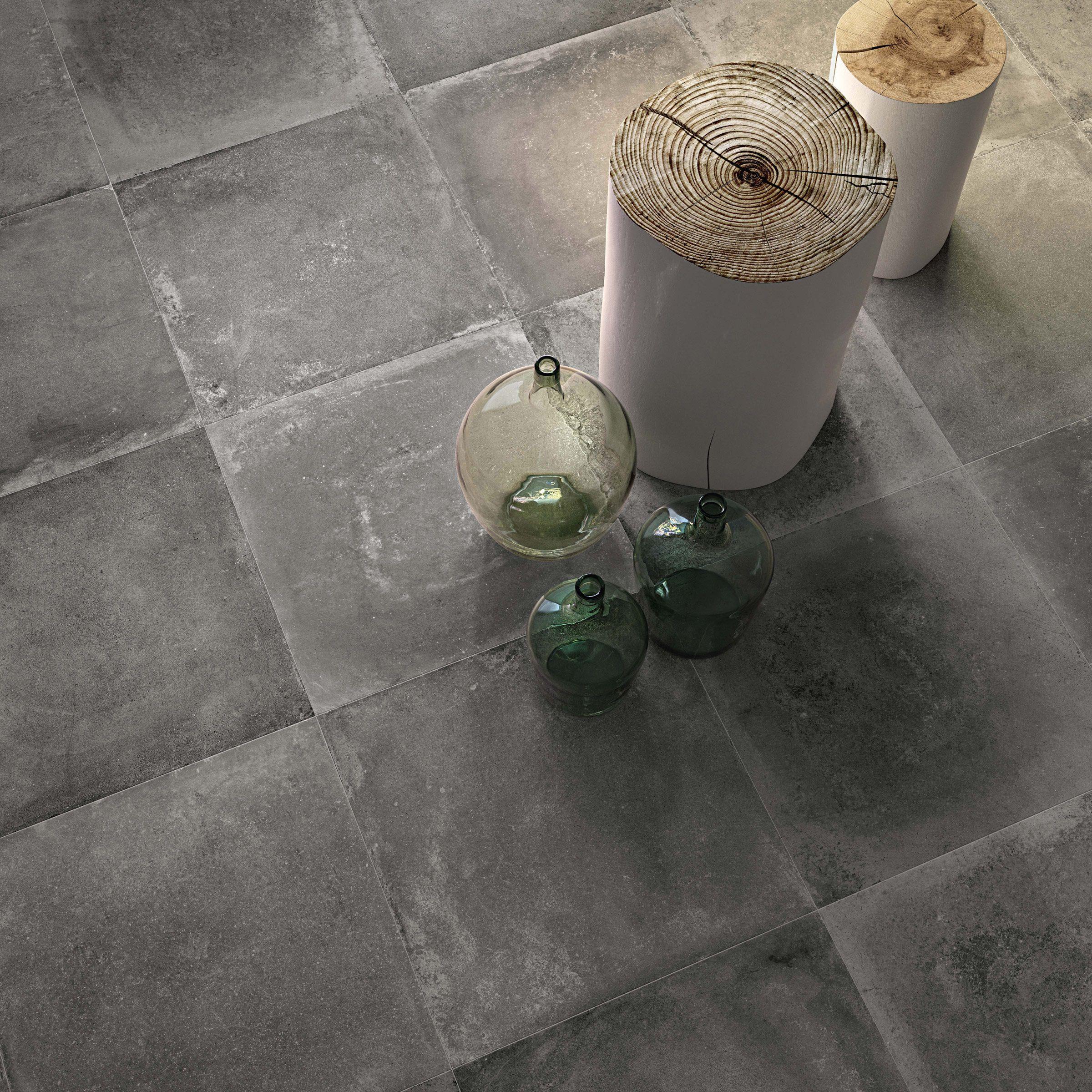 Die Farbe Graphite gibt ein besonders natürlichen Look von Sich! #tiles #fliesen #tegels #wandfliesen #walltiles #foortiles #bodenfliesen #vloertegels #einrichten #badezimmer #bathroom #badkamer #gestalten #potd #wc #badewanne #lampe #blumen #pflanzen #badezeit #wohnen #leben #wohlfühlen #wanddesign #bodendesign #frankeraumwert #flaviker #backstage