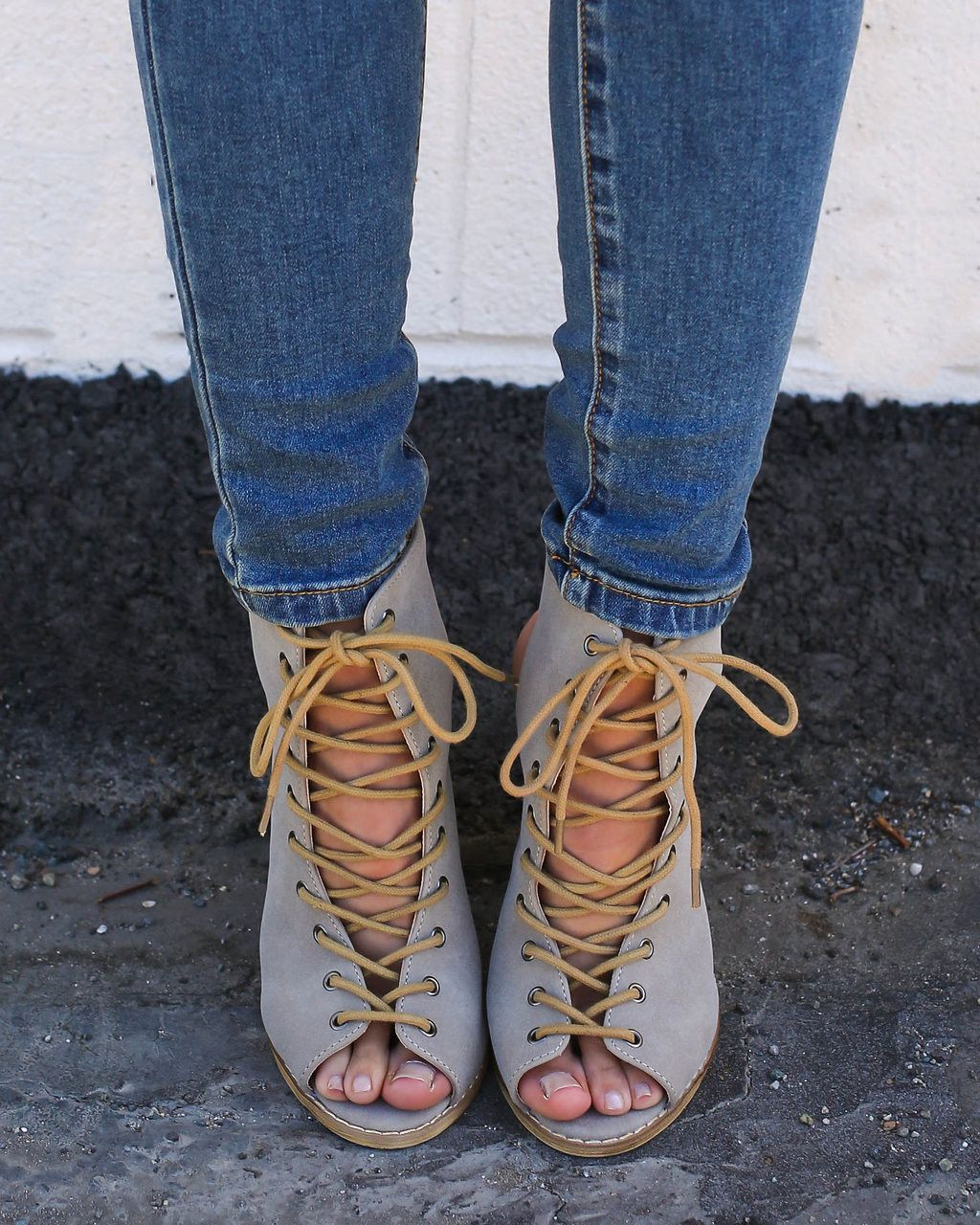 Montana Lace Up Stacked Heel - Beige - ITEM OF THE DAY