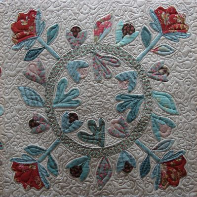 Quilt vine love letters quilting the quilt pinterest it is a pattern by blackbird designs called love letters marlyne did a fantastic job on it her hand applique i spiritdancerdesigns Images