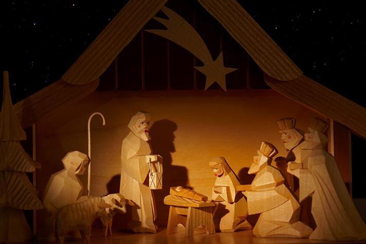 Natal-Porque Deus amou o mundo de tal maneira que deu seu Filho unigênito,para todo aquele que nele crê não pereça,mas tenha a vida eterna .João 3.16
