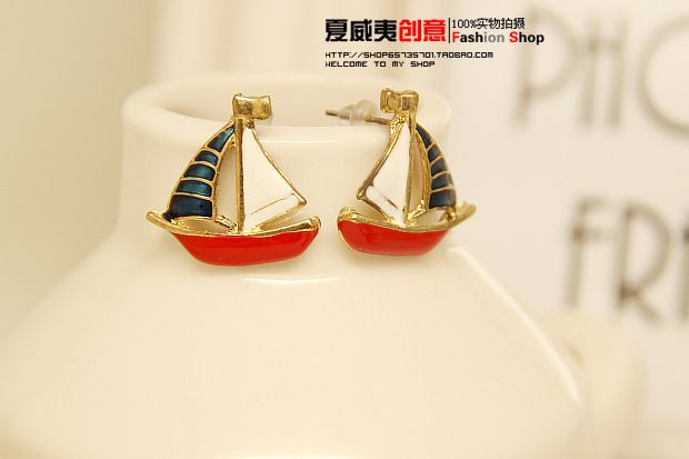 http://www.aliexpress.com/store/product/2013-lovely-Aegean-paint-sailing-boat-stud-earring-accessories-womens-glaze-gold-plated-fashion-personality-fashion/239061_1411992113.html Find More Information about 2014 New Fashion 18 K Gold Plated Sailling Boat Stud Earrings for Women Wedding/Party Jewelry accessories Wholesale,High Quality personal organizer,China accessories retail Suppliers, Cheap personalized gems from Hawaii Arts Jewelry