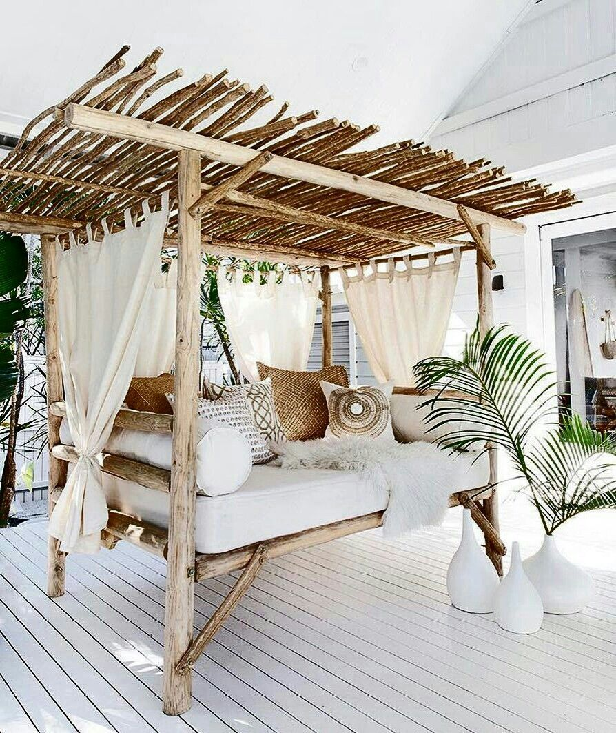 Bamboo And Wood Canopy Bed Deco Maison Idees De Lit