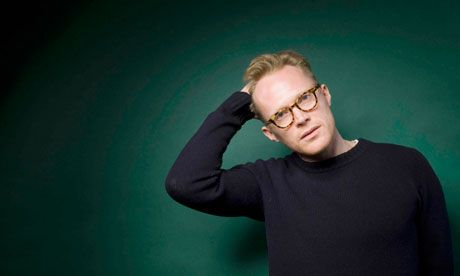 So I know Paul Bettany's a man and everything, but if I could pull of those glasses and that cool, fresh simplicity of style, I would.