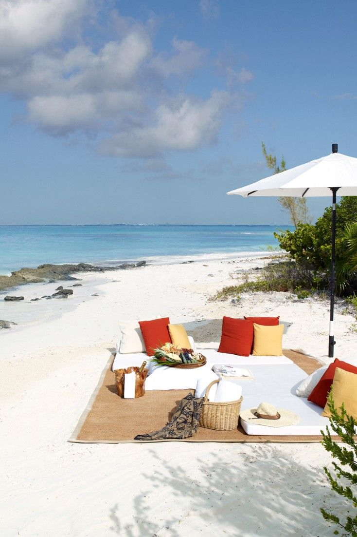 Parrot Cay's 1,000-acre private-island sits between Fort George Cay and North Caicos in the Atlantic. #Jetsetter