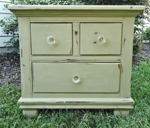 Houston: Vintage Shabby Chic Nightstand/end Table $100   Http://furnishlyst