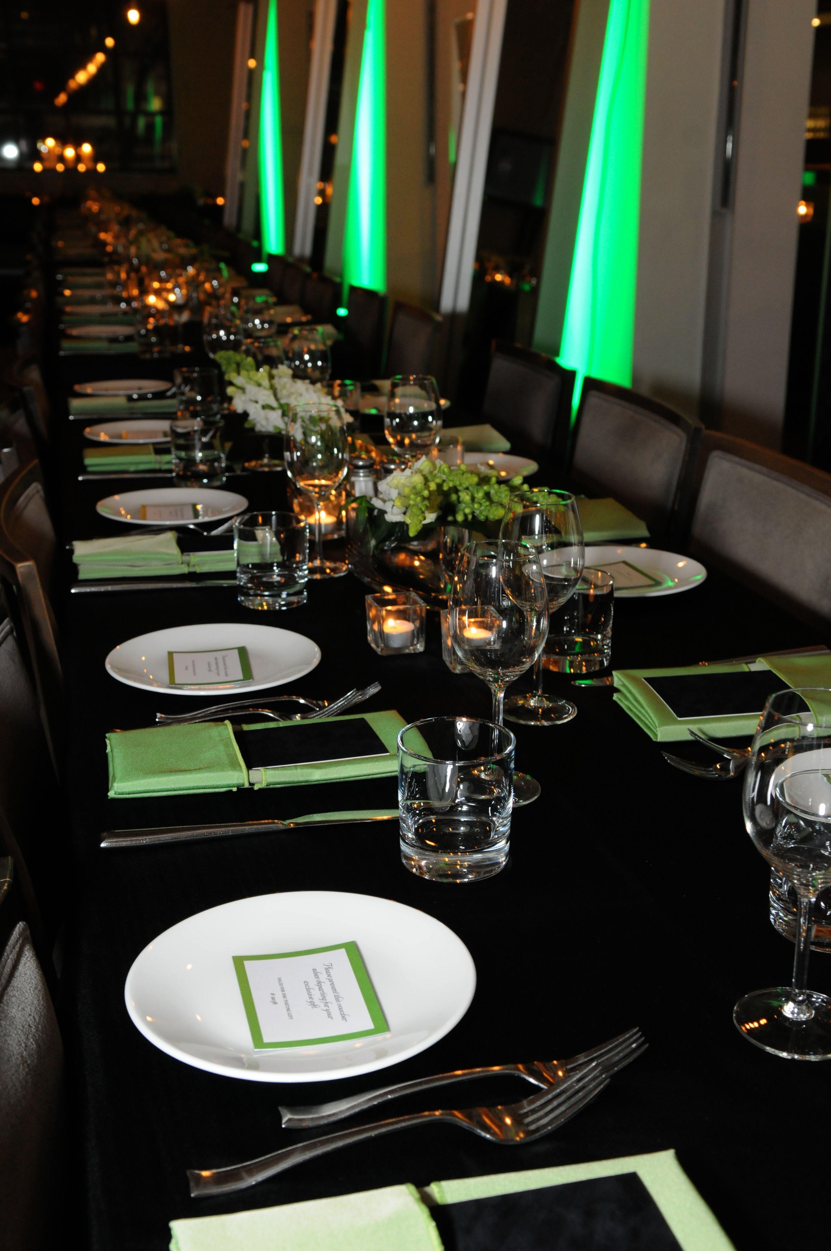 Green, White & Black Color Theme