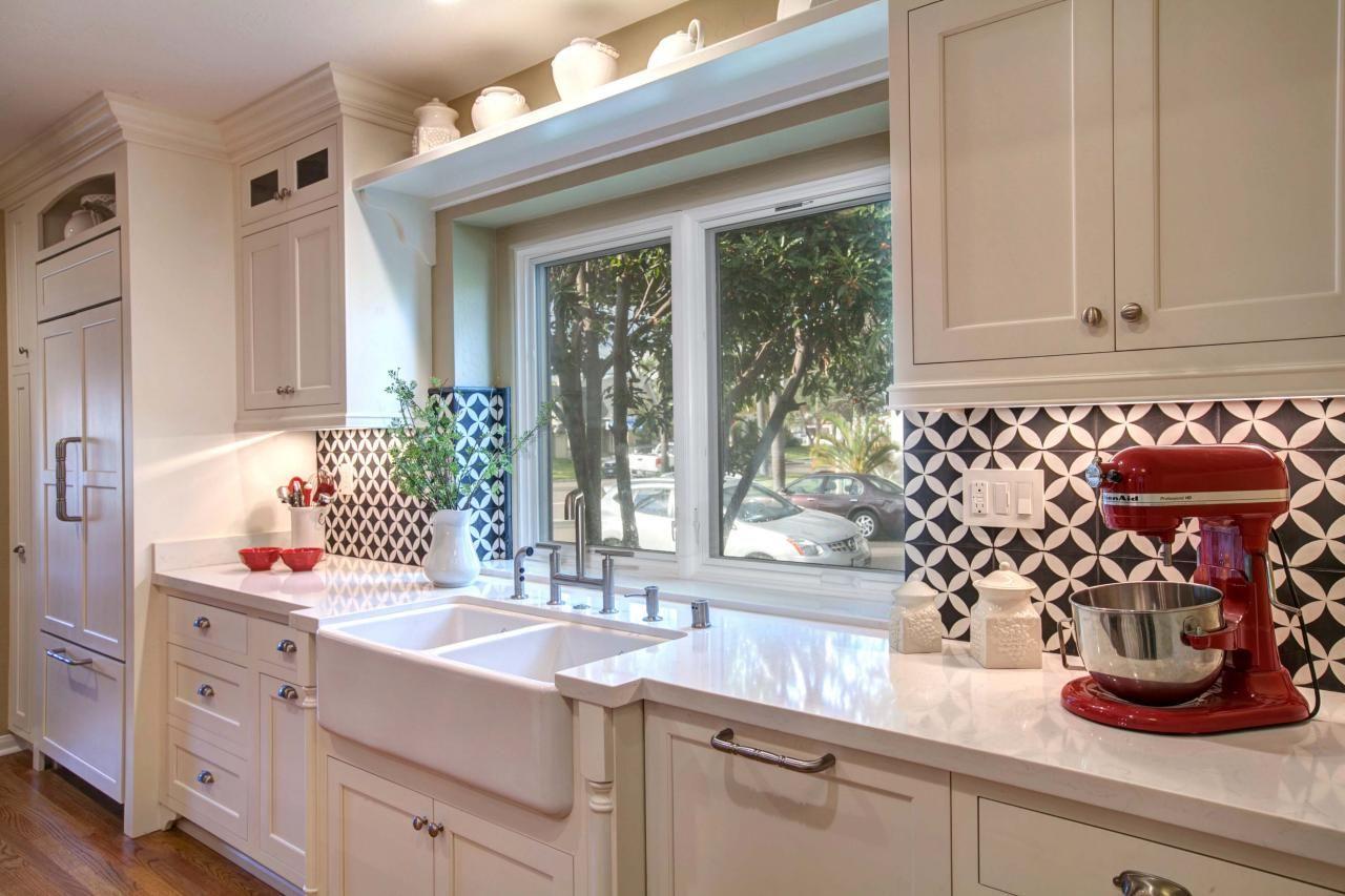 Magnificent Retro Kitchen Tile Backsplash Also Vintage Style Tiles Country L Image Collections Floor Vintage Modern Kitchen White Modern Kitchen Modern Kitchen