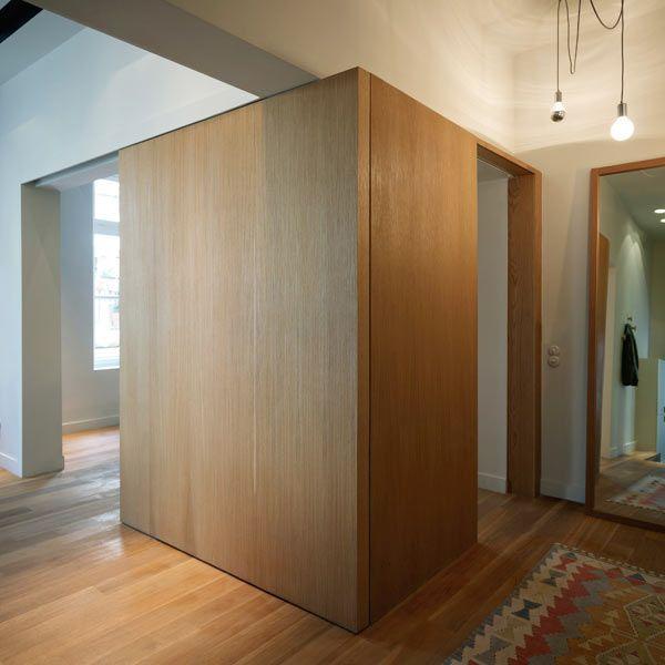 Un intérieur teinté de bois et de blanc Interiors, Architecture - mur en bois interieur