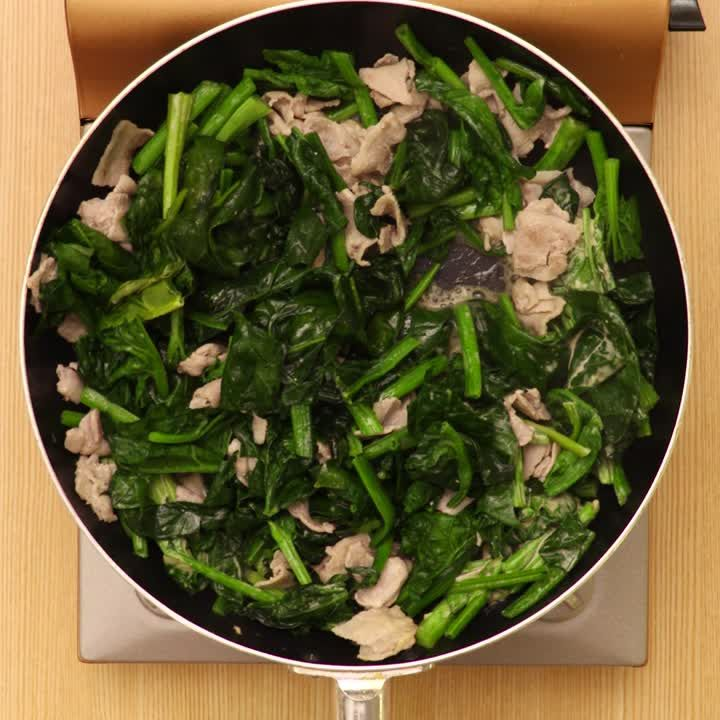 豚バラほうれん草味噌マヨ炒め