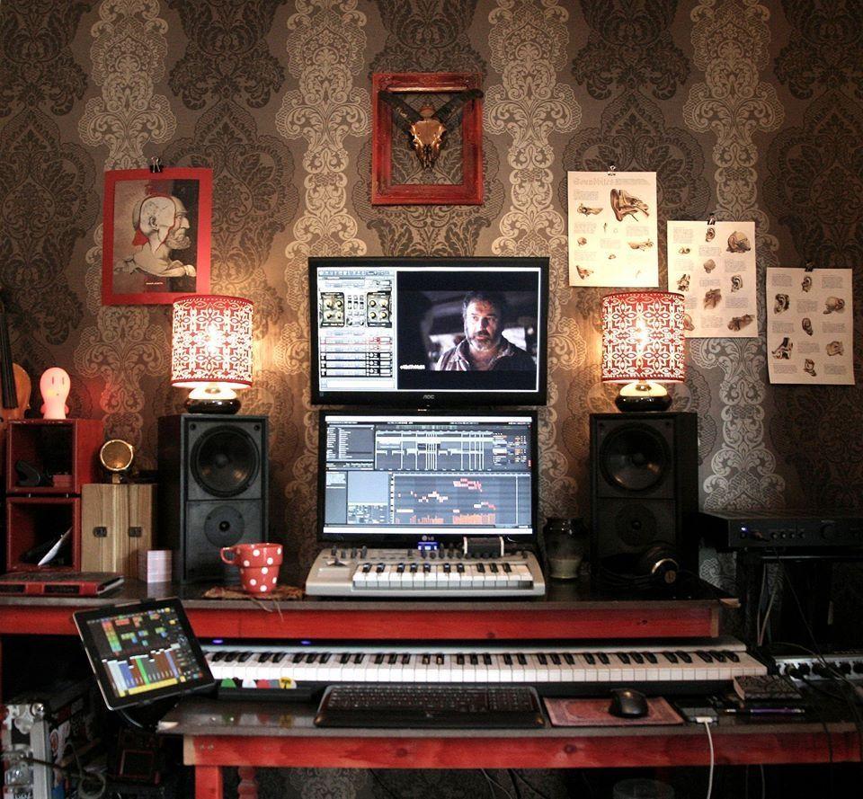 A Quaint Little Studio Setup Studio In 2018 Pinterest Home