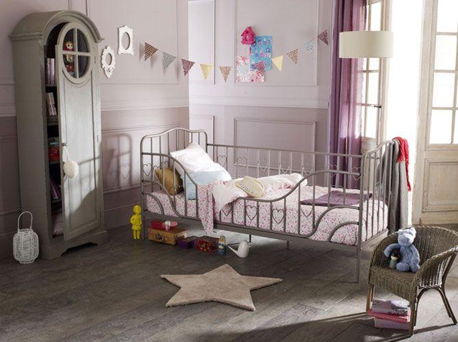 Chambres colorées ou douces, meubles en bois ou fer forgé, esprit