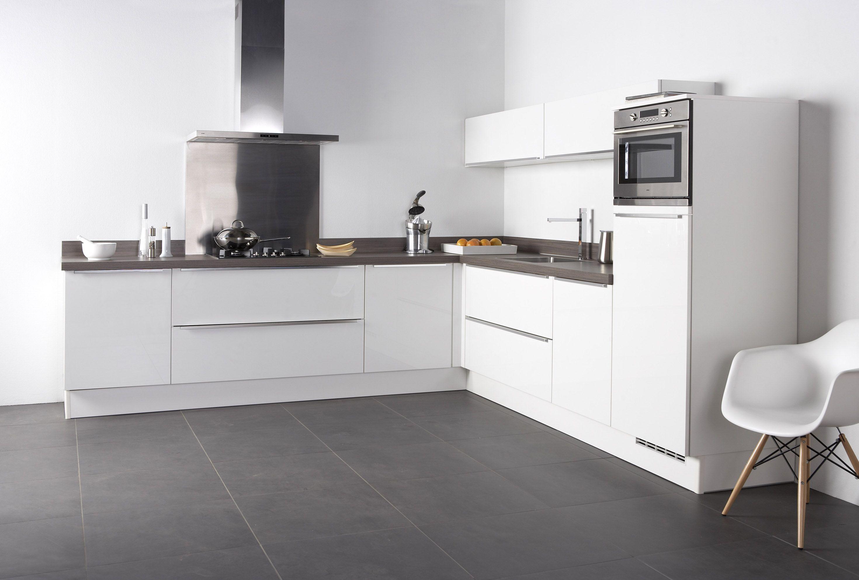 Bruynzeel keukens fronttype pallas keuken in het wit hoogglans met
