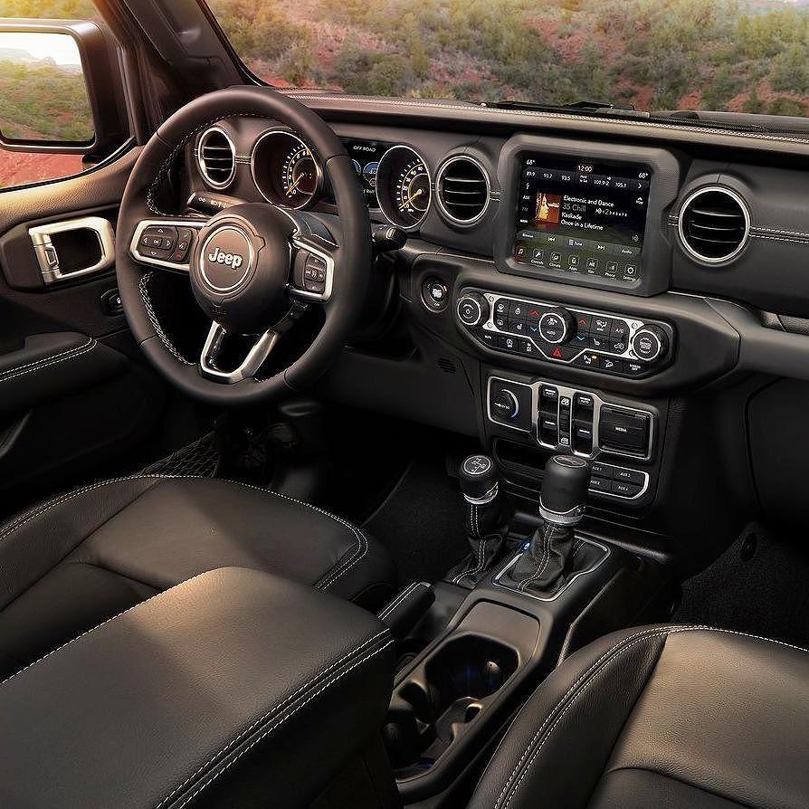 Jeep Wrangler 2018 Um Dos Destaques Da Marca Americana No Salao De Los Angeles E A Nova Geracao Do Wrangle Jeep Wrangler Jeep Interiors Jeep Wrangler Interior