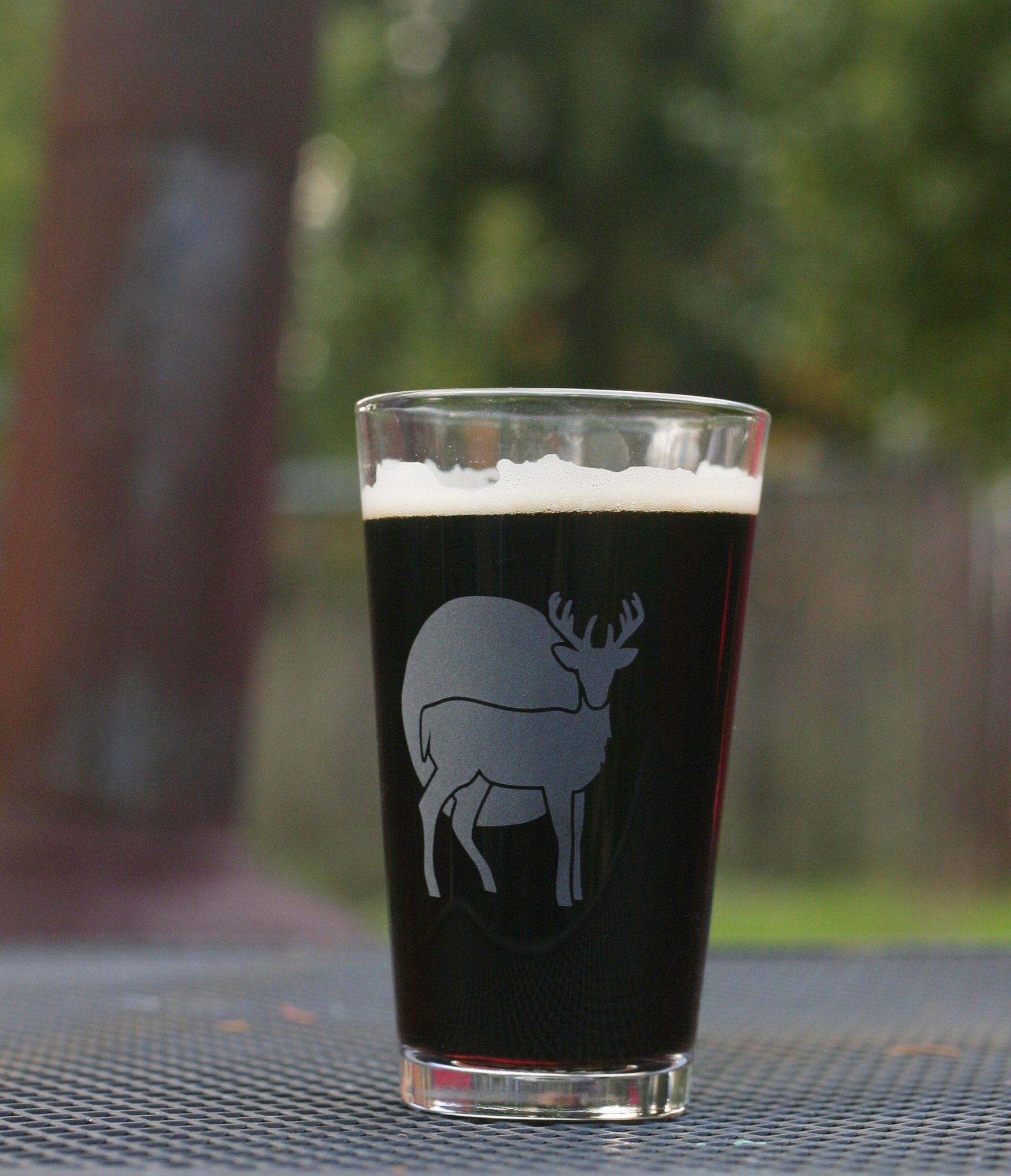 Deer pint glass retired sandblasted glass art deer