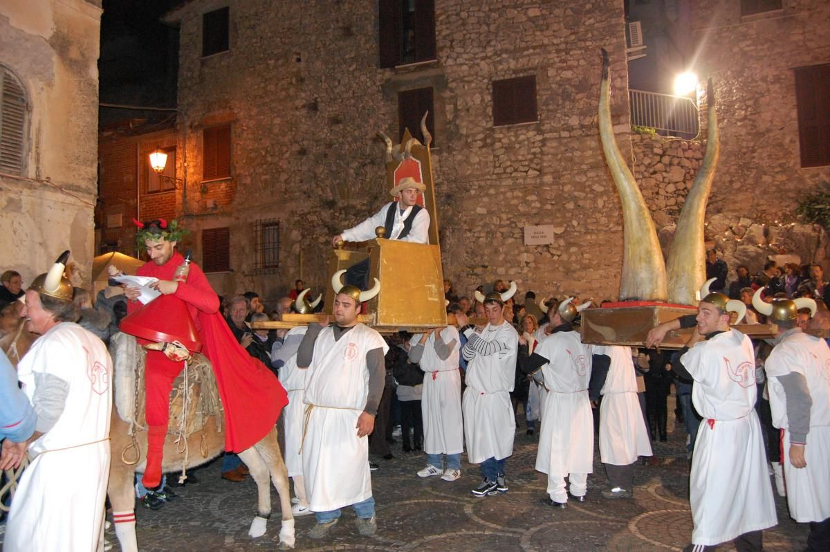 Festa del Cornuto, Italy. Translates to 'Festival of Horns'. The horns are a symbol for having been cheated on by a partner. The idea is that you partake in a parade through the city to seek consolation from onlookers. I guess the horns are there just in case you see your ex-partner?! #events #travel #italy