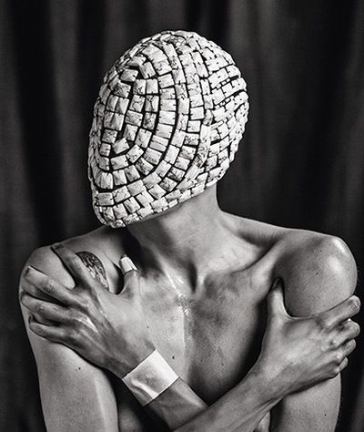 Vogueandrogyny tamy glauser in a maison martin margiela mask photographed by federico cabrera for revs