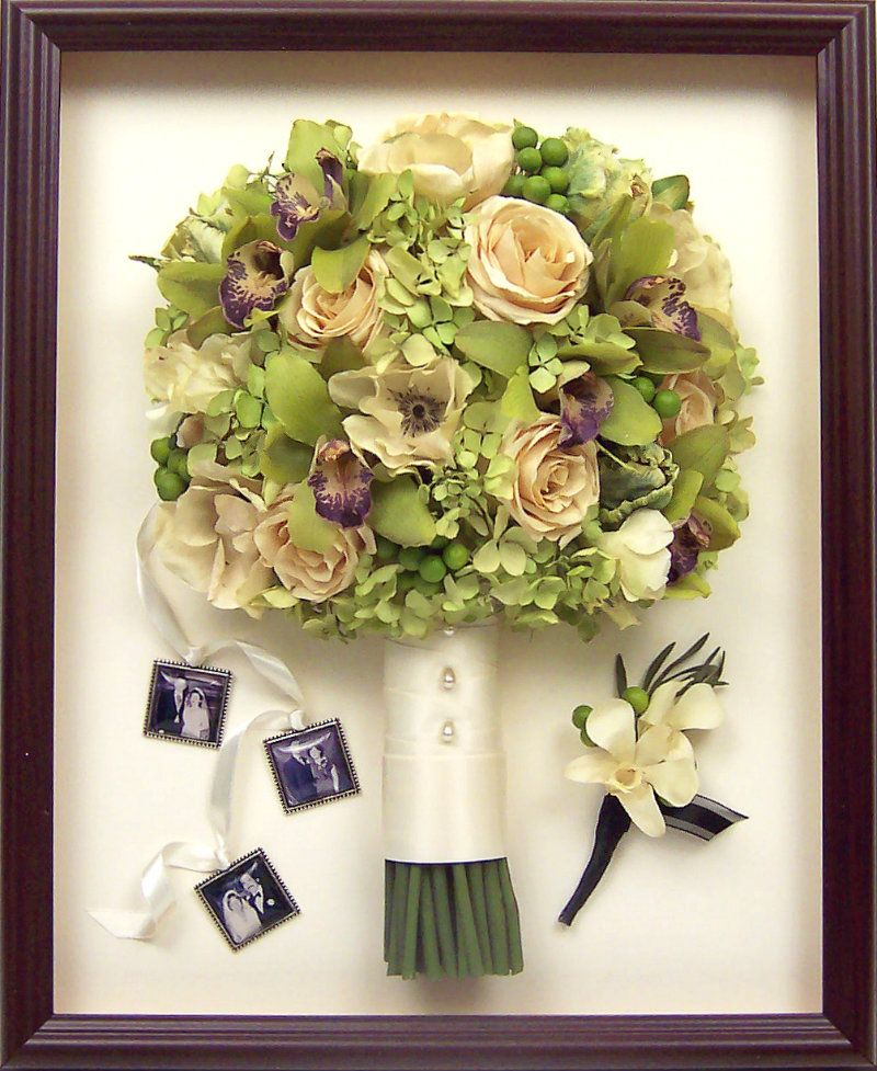 Ashley Tucker Derbyshire Chose A 12x15 Shadow Box To Highlight Her Flowers And Boutineer She