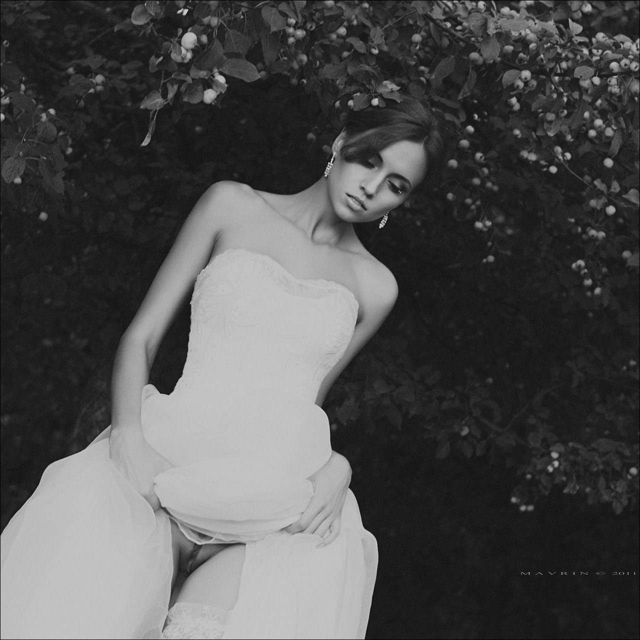 Черно фото эротика платье невесты анала отличном
