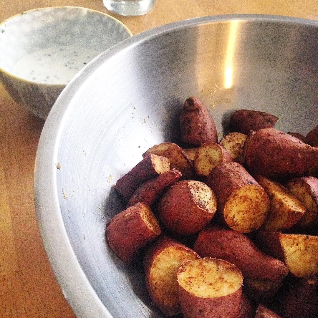 Roasted sweet potatoes and yogurt sauce