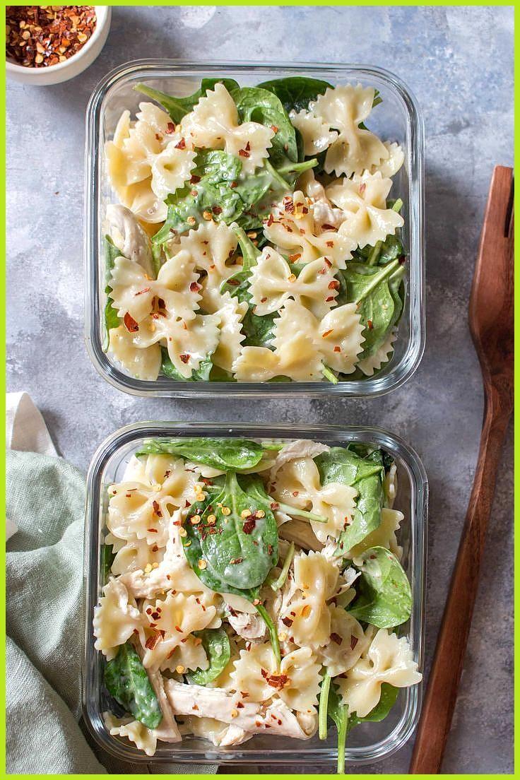 Kalter Hühnerspinat-Nudelsalat #Fitness food box #Fitness food rezepte #HühnerspinatNudelsalat #Kalt...