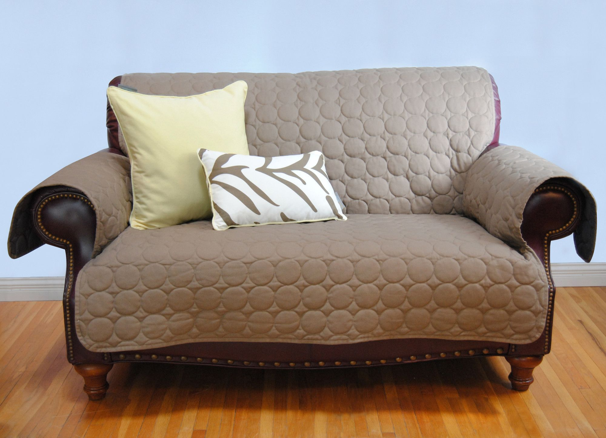 Circle Water Repellent Quilted Sofa Protector