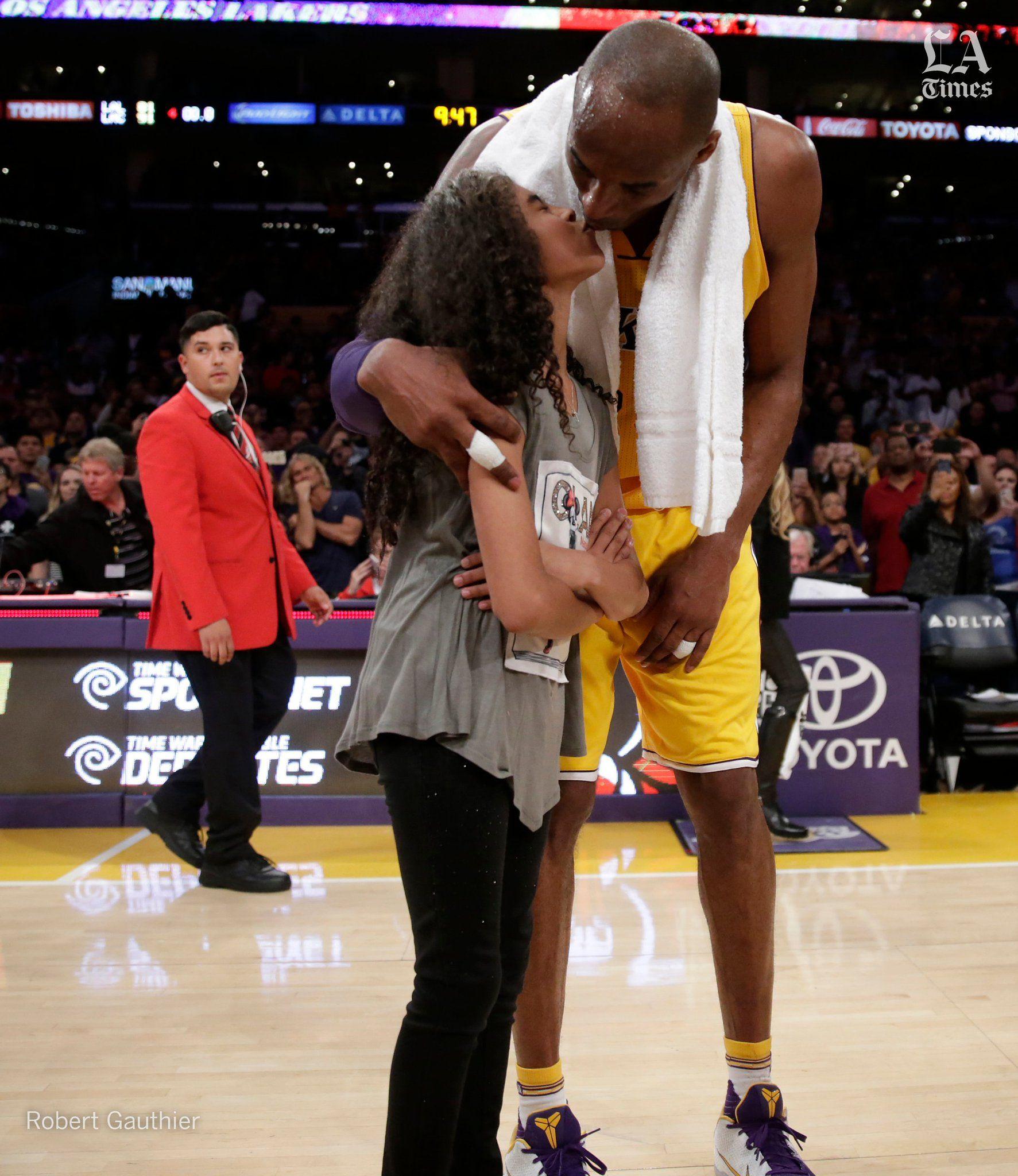 Los Angeles Times On Twitter In 2020 Kobe Bryant Black Mamba Kobe Bryant Daughters Kobe Bryant 24