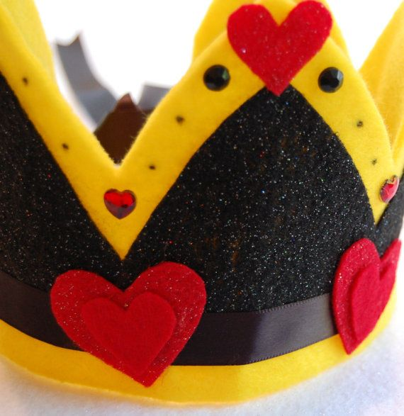queen of hearts felt crown