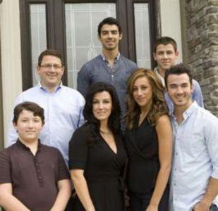 Jonas Family! :)