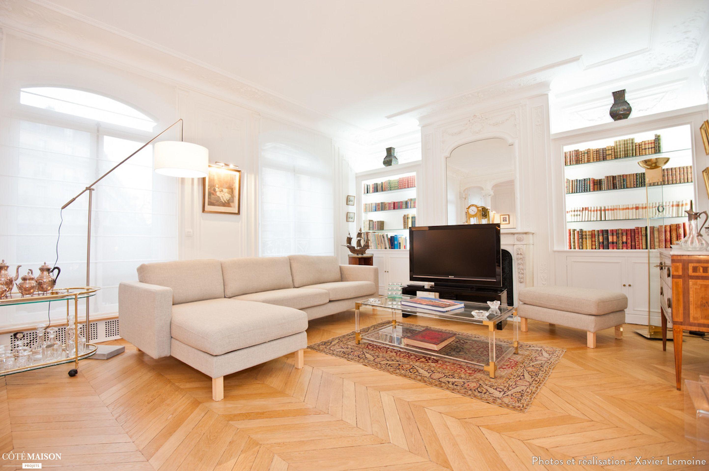 Salon Lumineux Canap D Angle Blanc Parquet Clair Meuble T L  # Amenager Un Coin Tele En Angle Cheminee