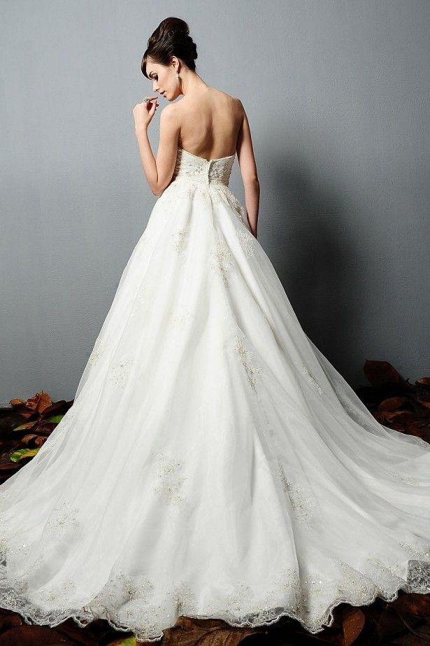 Down with the Cinderella Wedding Dresses is for modern dresses! Come ...