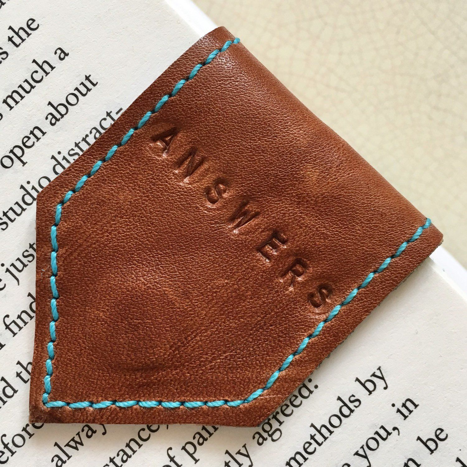 Magnetic Bookmark | Brown Leather Bookmark with Sky Blue Suede Lining | Personalise Bookmark | 3rd Anniversary Gift | Page Marker #artdupliagedelivres