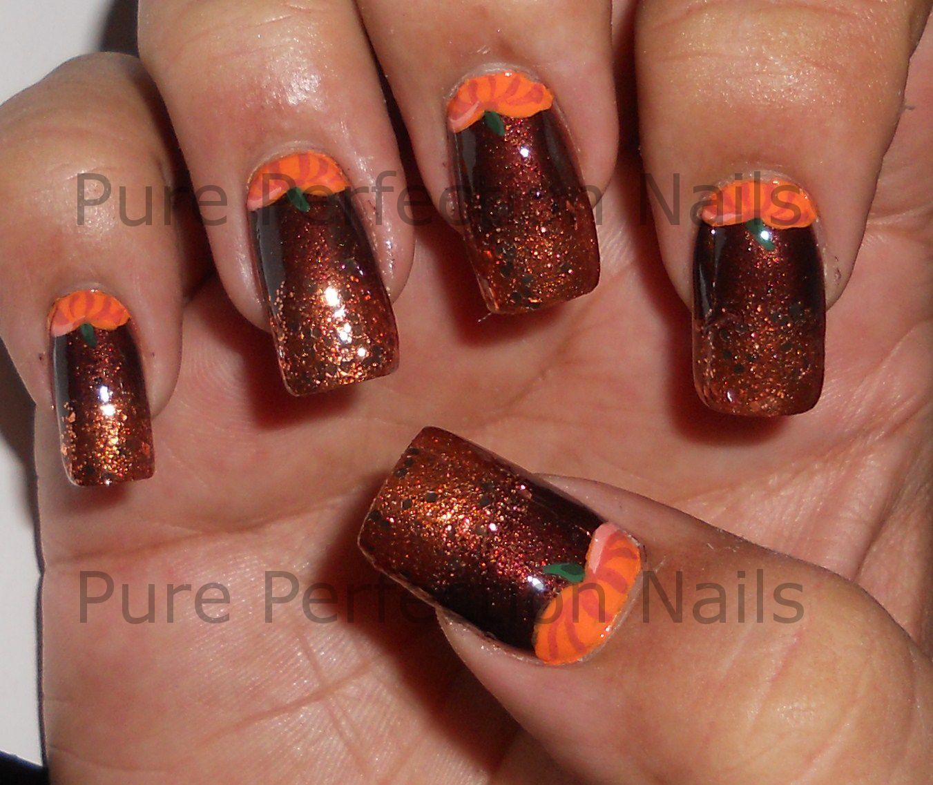 Easy Thanksgiving Nail Art So I Just Had To Put Them On My Nails